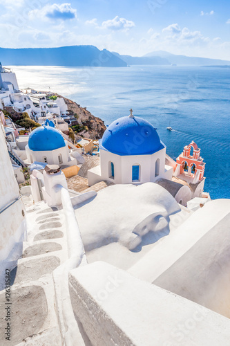 Canvas Santorini White blue architecture of Oia village on Santorini island, Greece