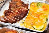 Asiafood, Aluschale, gebackene Ente, Reis, Currysauce, Sauce, ge