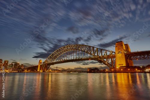 sydney-schronienia-mosta-zmierzchu-niebo