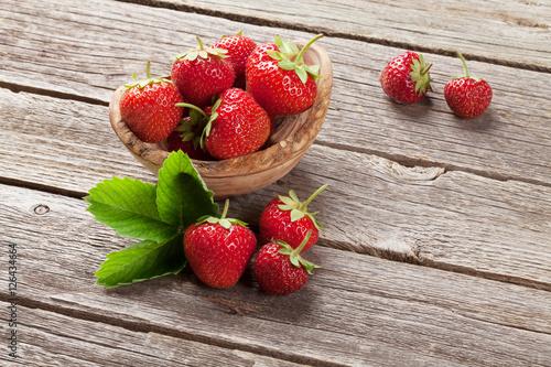 Fresh garden strawberry in bowl
