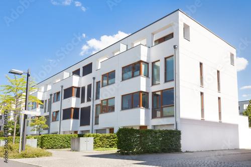 Foto op Canvas Berlijn Mehrfamilienhaus, Reihenhaus, Neubau