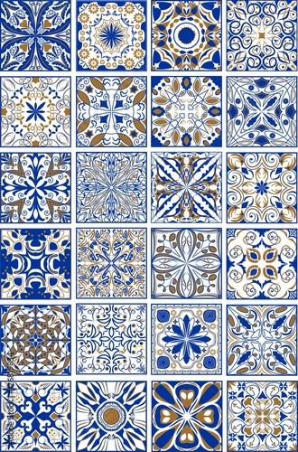 mega-zestaw-tradycyjnych-hiszpanskich-lub-portugalskich-plytek-ceramicznych-i-ceramicznych-ozdobnych-w-kolorze-indygo-i-zlotym