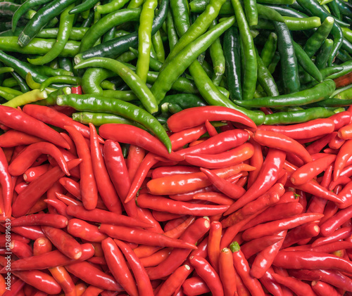 Staande foto Hot chili peppers red and green chili pepper