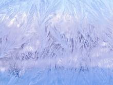 Декоративный морозный узор на стекле