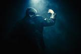 Mann Nebel Faust Hand - 127044832