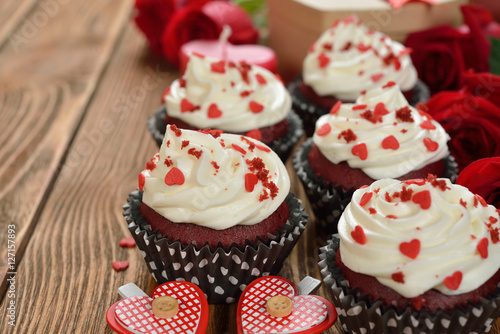 Poster Sweet romantic cupcakes for Valentine's Day