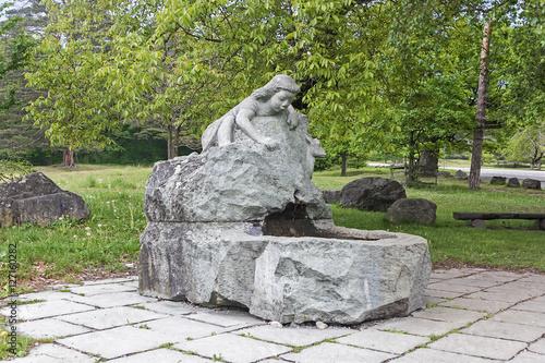 Leinwanddruck Bild Heidibrunnen bei Maienfels, Schweiz