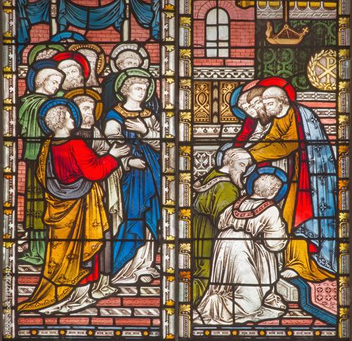 rzym-wlochy-marzec-9-2016-apostolowie-daje-blogoslawienstwu-st-paul-i-barnabas-w-jerozolima-witraz-kosciola-anglikanskiego-all-saints-przy-pracowni-clayton-and-hall-19-centow