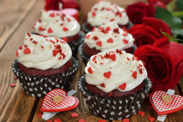 Sweet romantic cupcakes for Valentine's Day