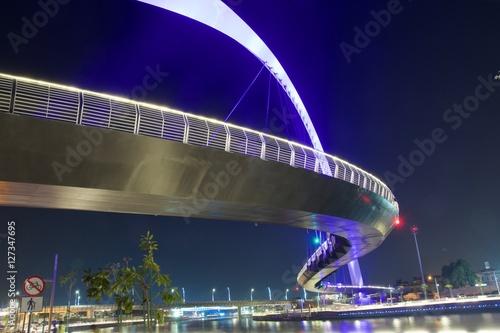 Staande foto Dubai Dubai Water Canal Hanging Bridge
