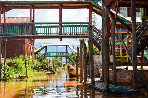 Poster Traditional floating village houses in Inle Lake, Myanmar