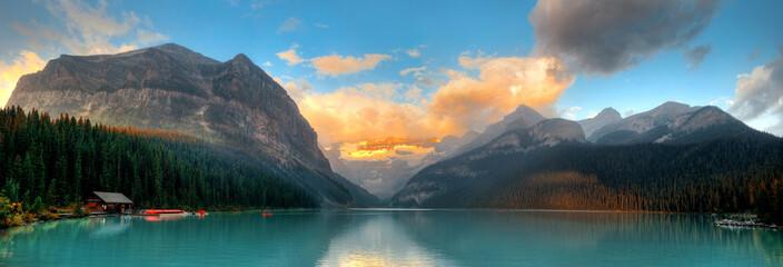 Fototapeta Jezioro National park w Banff - panorama