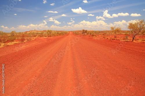 Foto op Canvas Baksteen Dirt road across the Pilbara in Australian outback