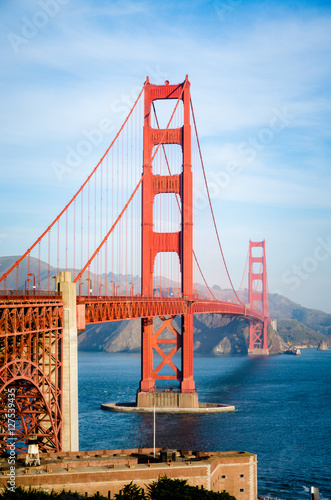 Poster, Tablou Golden Gate Bridge in San Francisco California in the morning