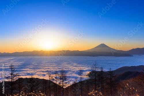 Poster 雲海に浮かぶ富士山と日の出
