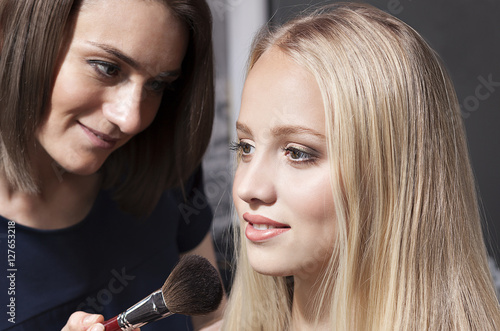 Poster makeup, makeup artist work