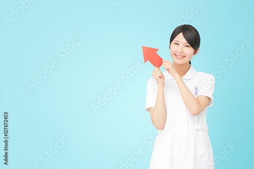 Poster 看護師 矢印 笑顔