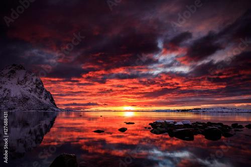 Valokuva Dramatic Sunrise