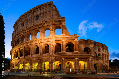 Poszter Night view of Colosseum in Rome in Italy