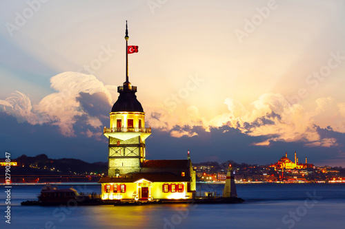 Leinwand Poster Maiden's Tower in istanbul, Turkey.
