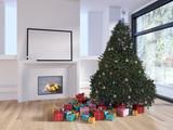 Albero di Natale vicino al caminetto acceso