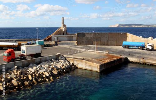 Port na maltańskiej wyspie Gozo