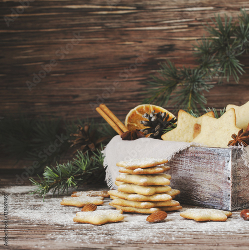 Poster Christmas or new year gingerbread cookies in a wooden box