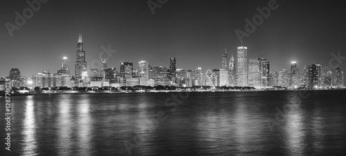 Poster Chicago Black and white night panoramic picture of Chicago city skyline, USA.