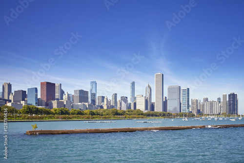 Poster Chicago Chicago waterfront and city skyline on a sunny day, USA