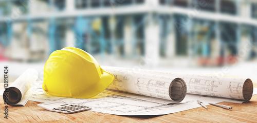 Żółty kask budowy i budowy geodetów