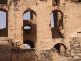 Древний римский амфитеатр в Тунисе