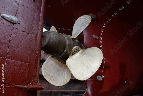 Juliste Ship's propeller and rudder