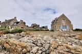 Paysage de bord de mer sur la côte bretonne  - 129592834