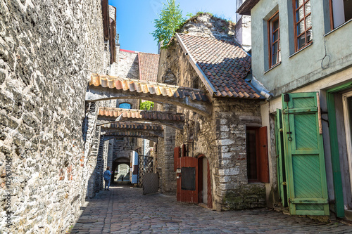 Foto op Plexiglas Havana St Catherine's passage in Tallinn