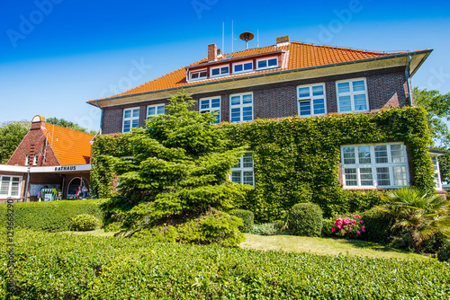 Fotobehang Noordzee Rathaus Langeoog