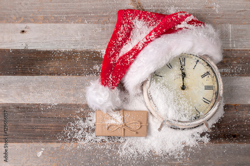 Christmas and happy New Years 2017 Clock with Santa hat