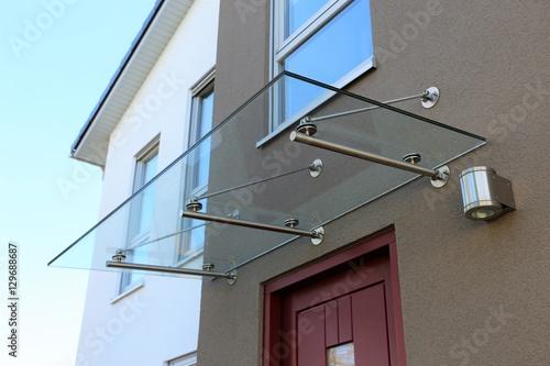 canvas print picture Haustür-Vordach aus Glas (Glass canopy front door)