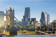 roleta: Financial District of London and the Tower Bridge