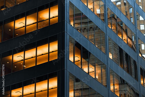 Foto op Aluminium New York Office building in Manhattan at dusk time