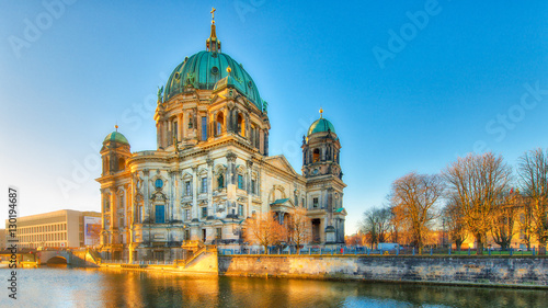 Papiers peints Berlin Berlin Cathedral from the river spree