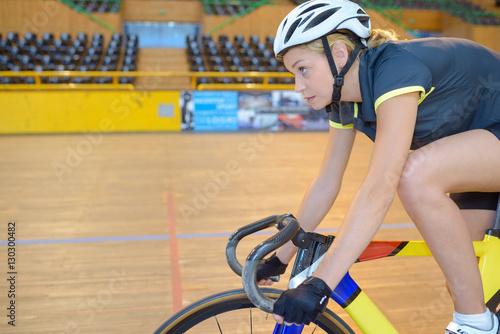 Poster improvement in bike race