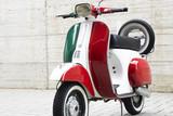 Włoski skuter tricolor