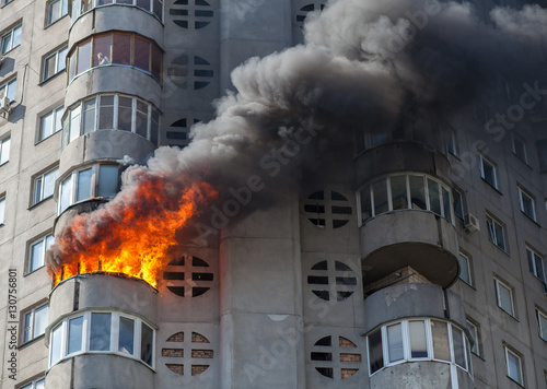 Foto op Plexiglas Kiev Fire in residential building, Kiev