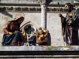 Figuras del Nacimiento de Belén en una Catedral.
