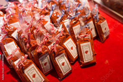 Papiers peints Budapest BUDAPEST, HUNGARY - 8 DECEMBER 2016: Traditional Hungarian Paprika sold for tourist at the Budapest Christmas Market
