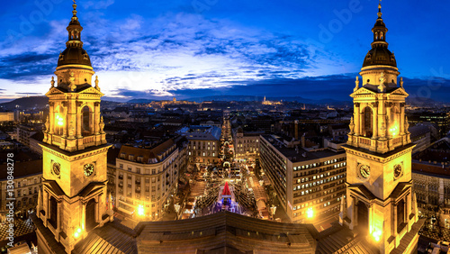 Plexiglas Boedapest Budapest Saint Stephan Basilica panorama after sunset