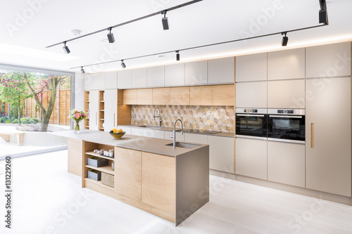 Foto op Canvas Londen Beautiful kitchen in luxury home