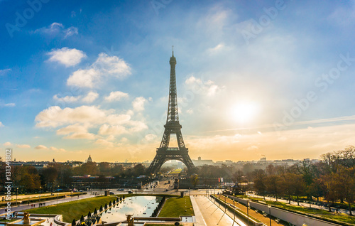 Poster Sunrise Next to Eiffel Tower