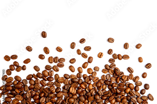 Fotobehang Koffiebonen roasted coffee beans isolated on white background