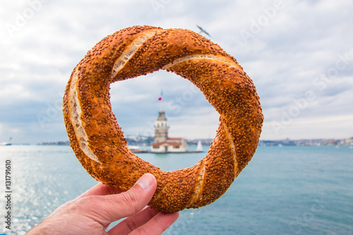 Poster Turkish Bagel (Simit) and Maidens Tower in istanbul, Turkey